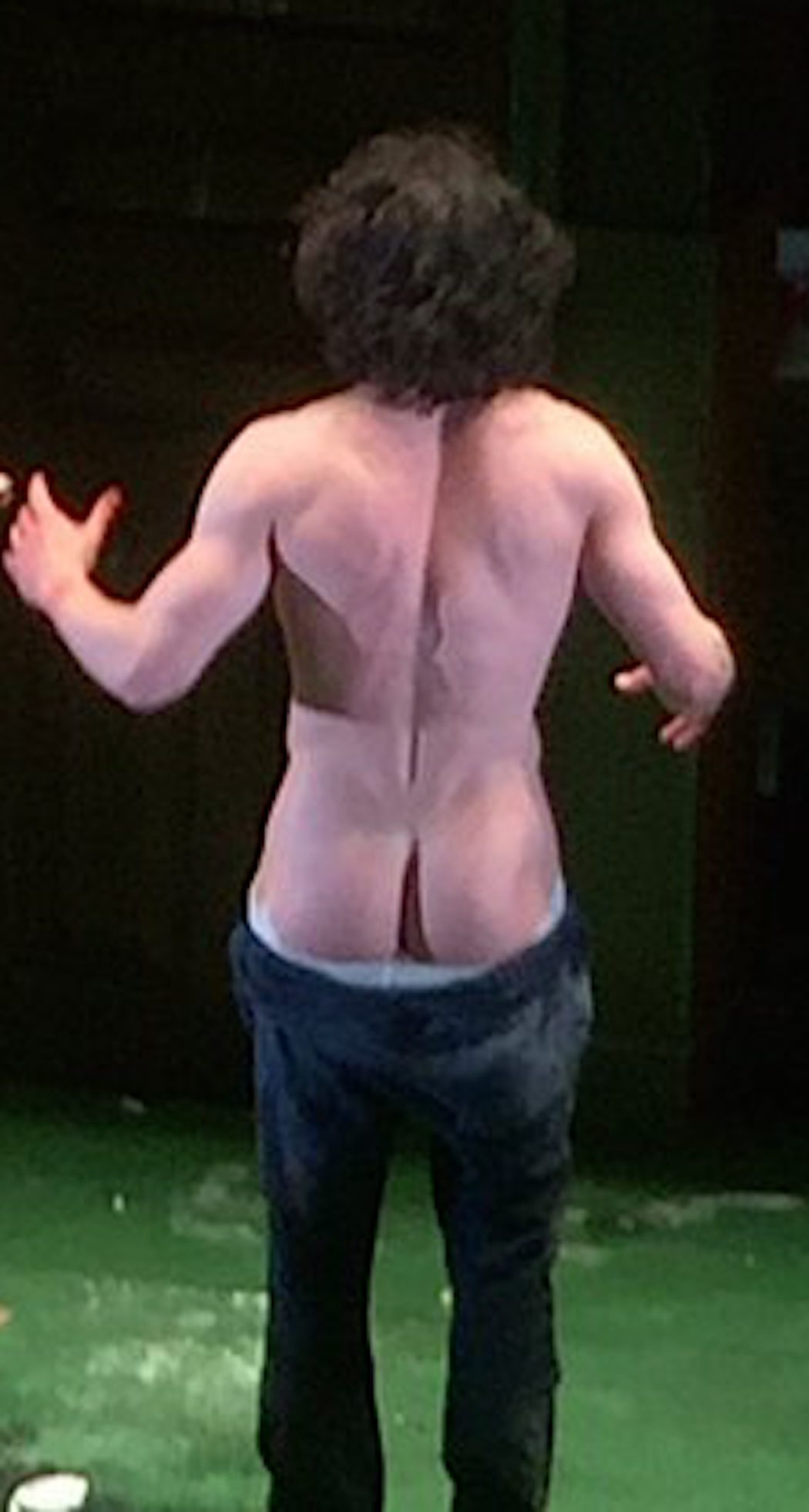 Kit Harington muestra el culo al público en la obra 'Doctor Fausto'