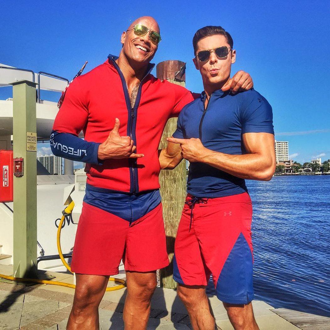 Dwayne Johnson y Zac Efron, los nuevos socorristas