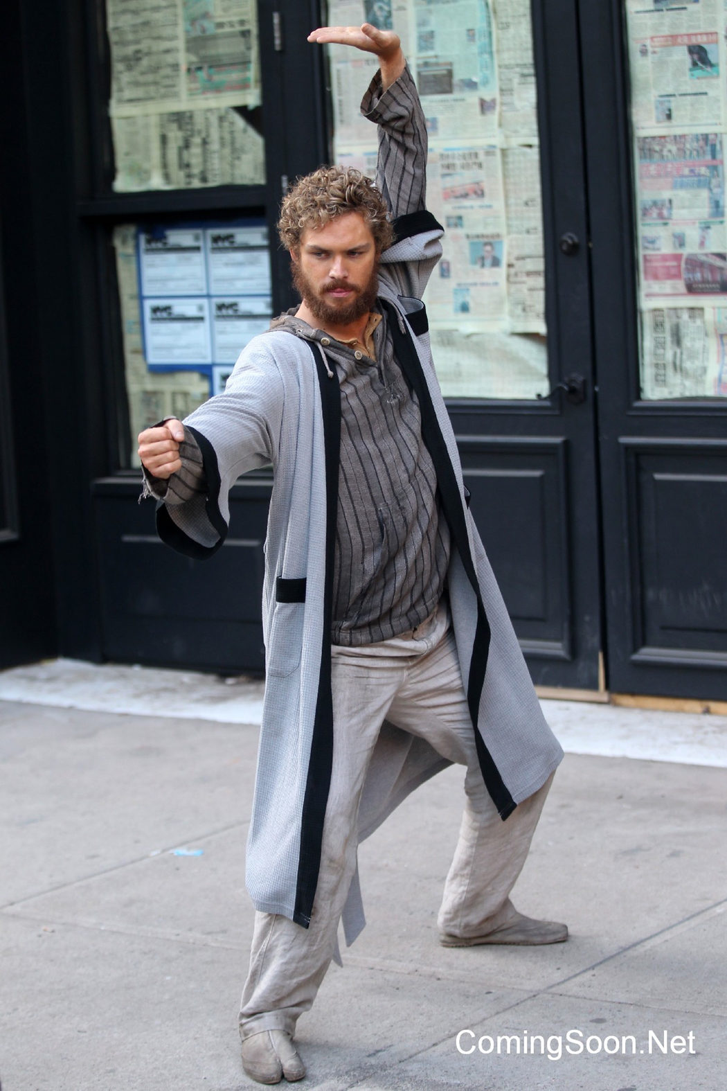 Finn Jones luchando en el rodaje de 'Iron Fist'