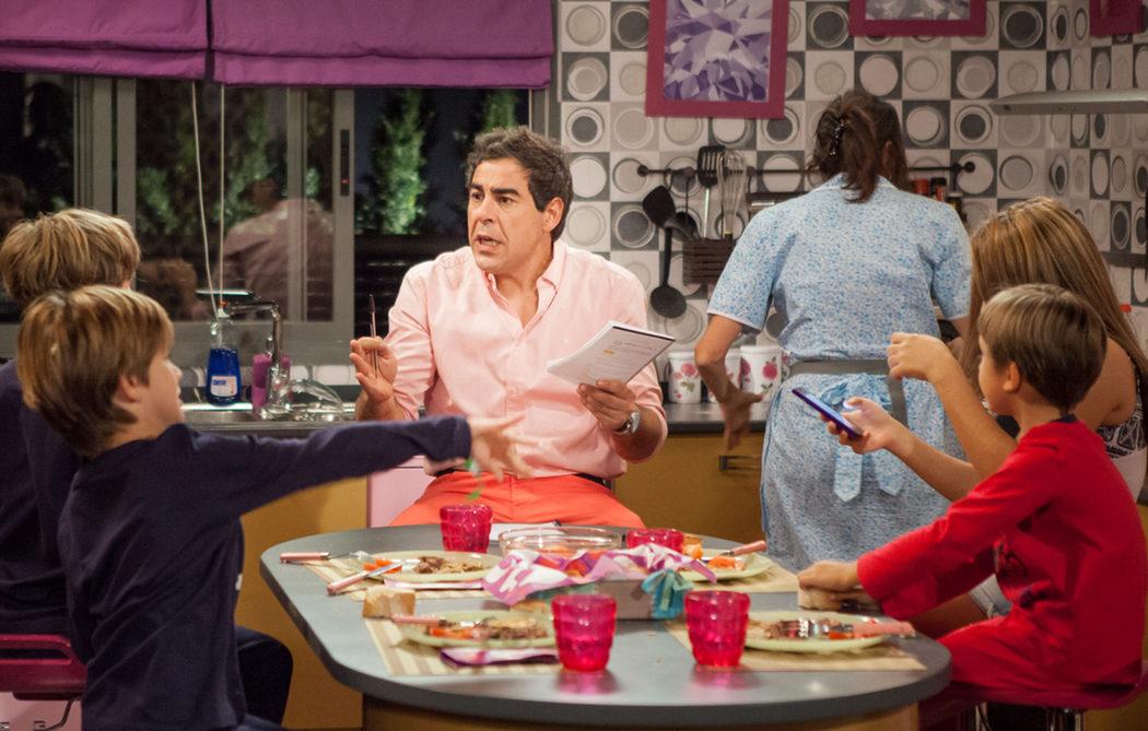 Amador regañando a sus hijos en 'LQSA'