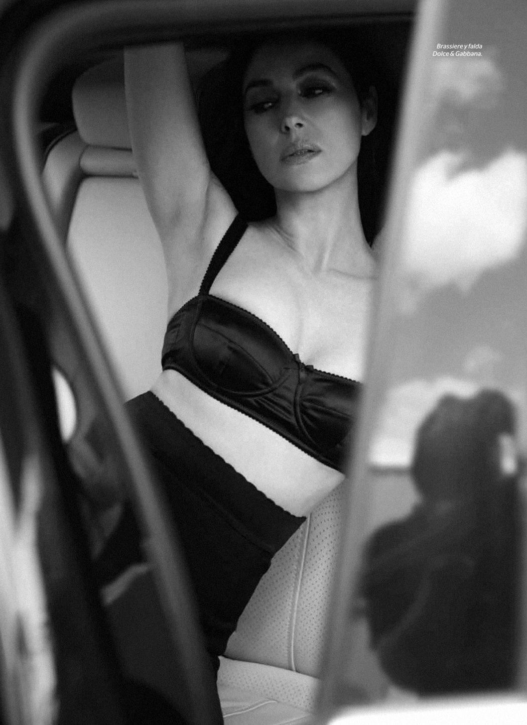 Monica Bellucci posando para Esquire