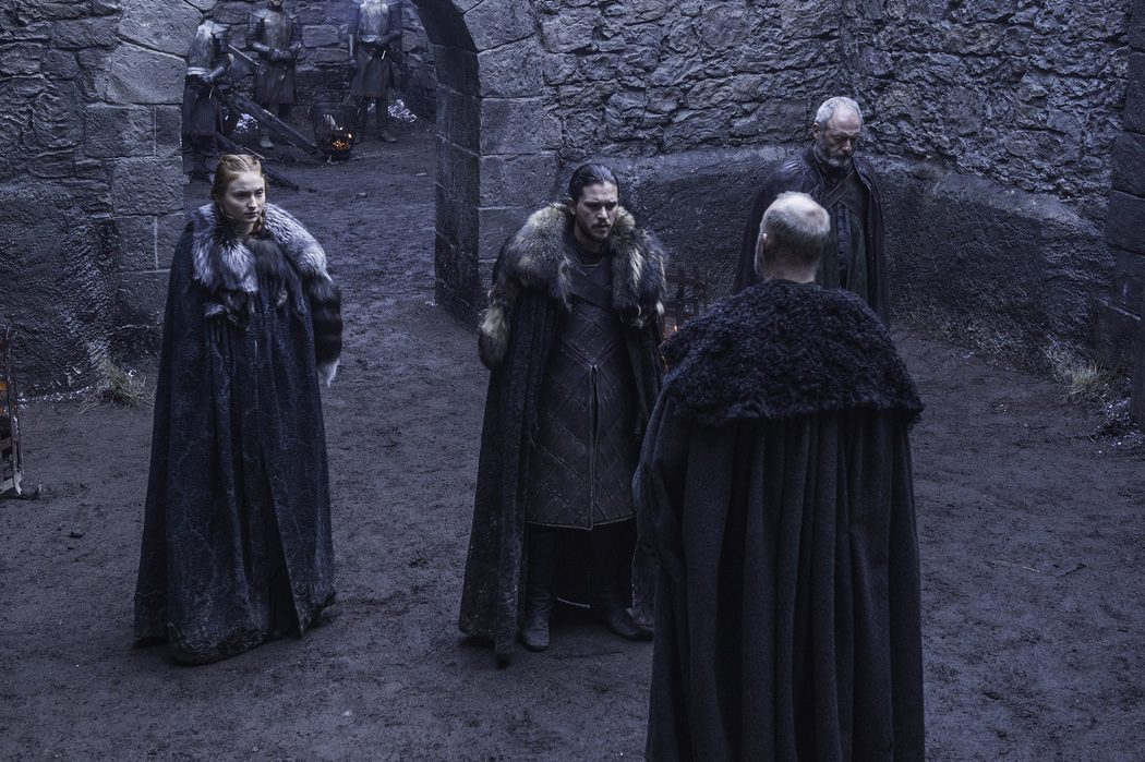 Jon Nieve y Sansa Stark buscan aliados