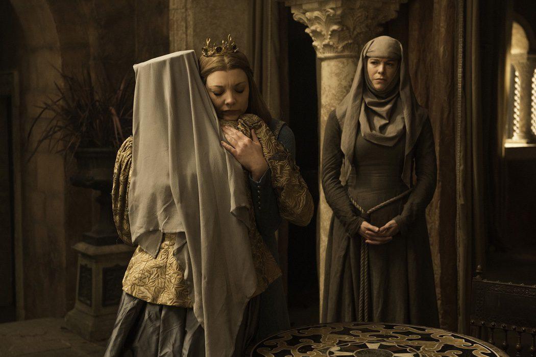 La reina Margaery se reúne con su abuela Olenna Tyrell