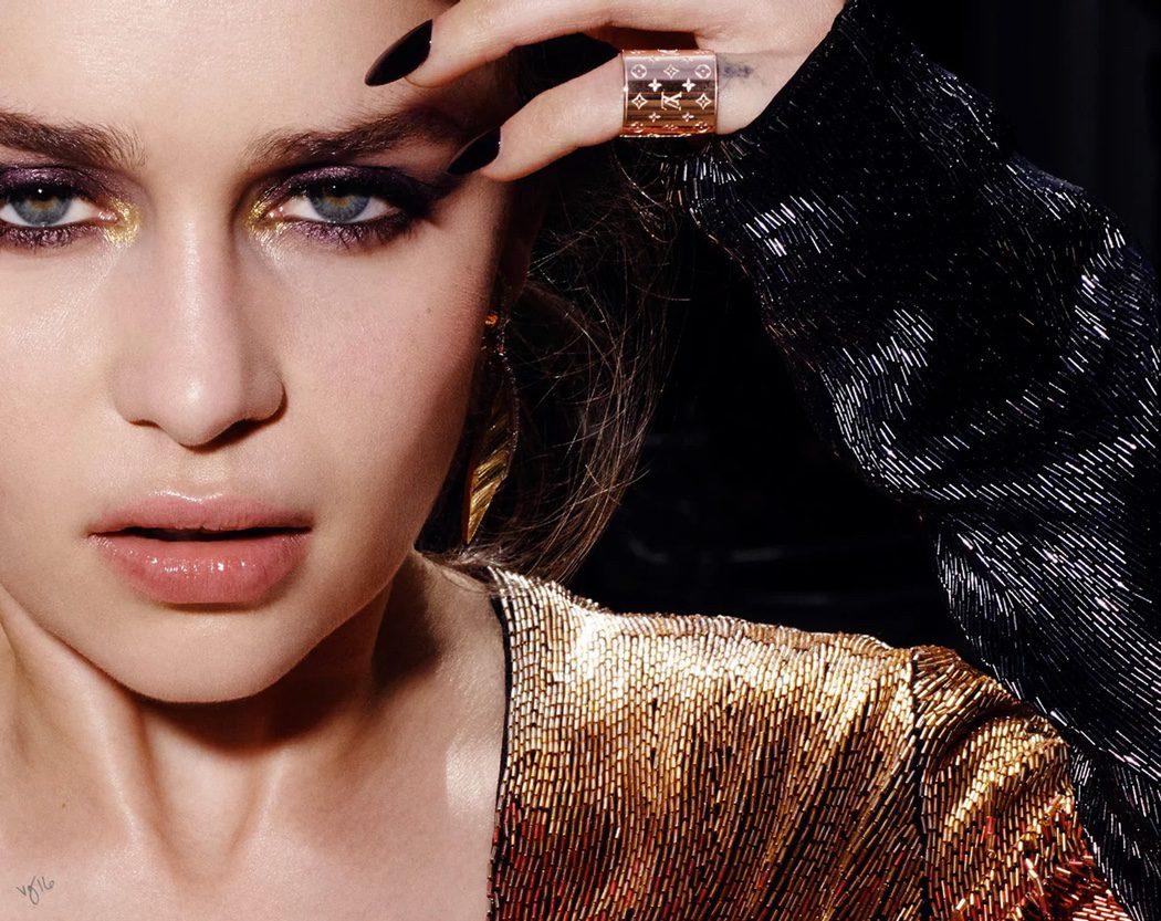 Emilia Clarke seduce a la cámara en una sesión de Violet Grey