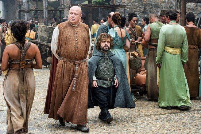 Tyrion y Varys comienzan sus planes en Meeren
