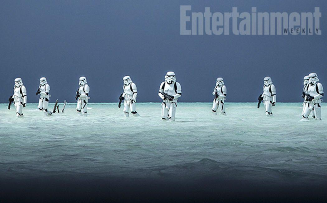 Los Stormtroopers en la playa en 'Rogue One'