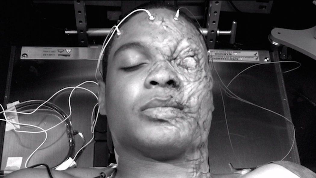 Así es el maquillaje y las prótesis de Ray Fisher