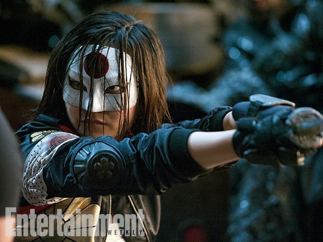 Karen Fukuhara como Katana, miembro del 'Escuadrón Suicida'