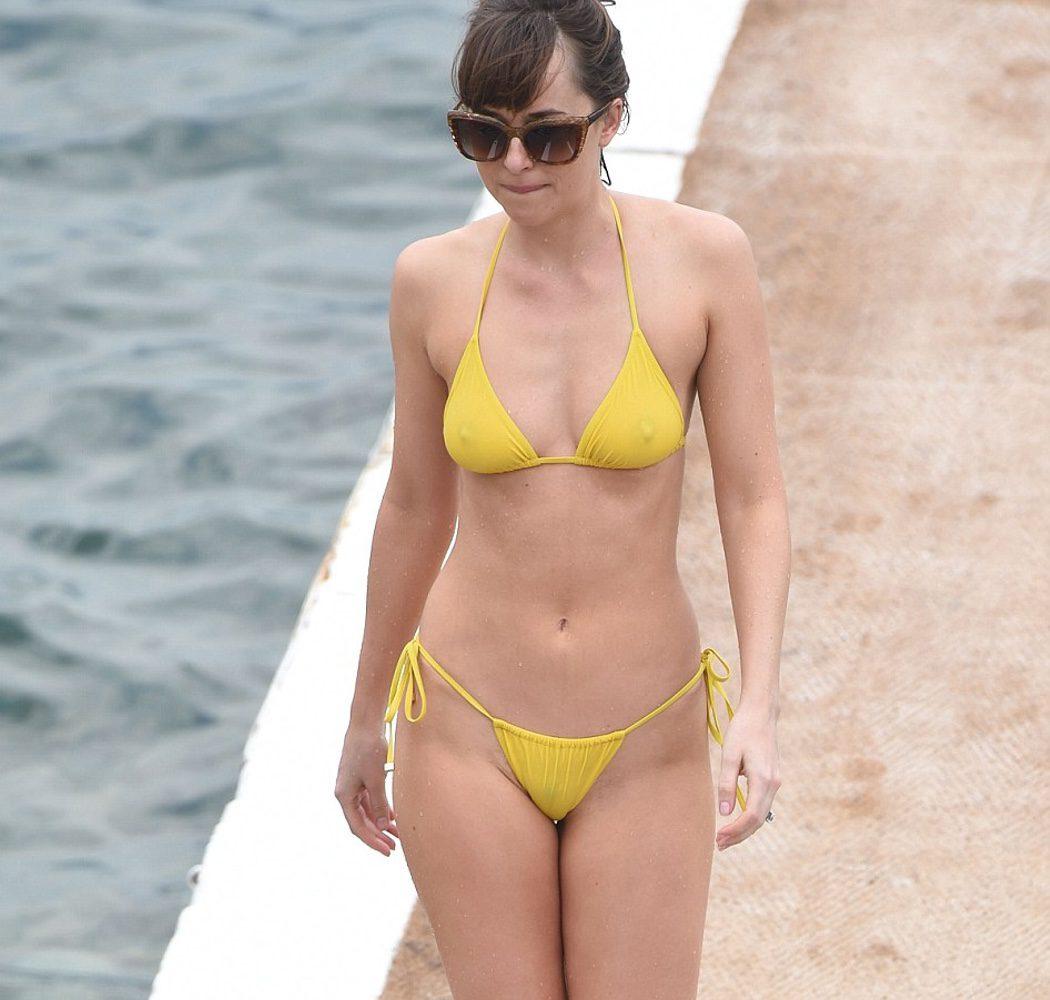 Cincuenta Sombras Liberadas Dakota Johnson Hace Topless Durante El