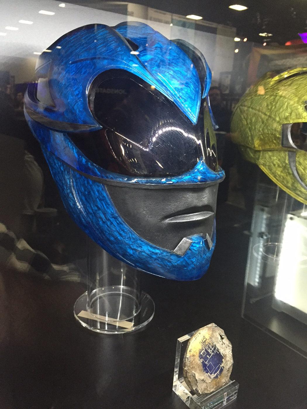 Casco y moneda de poder del ranger azul