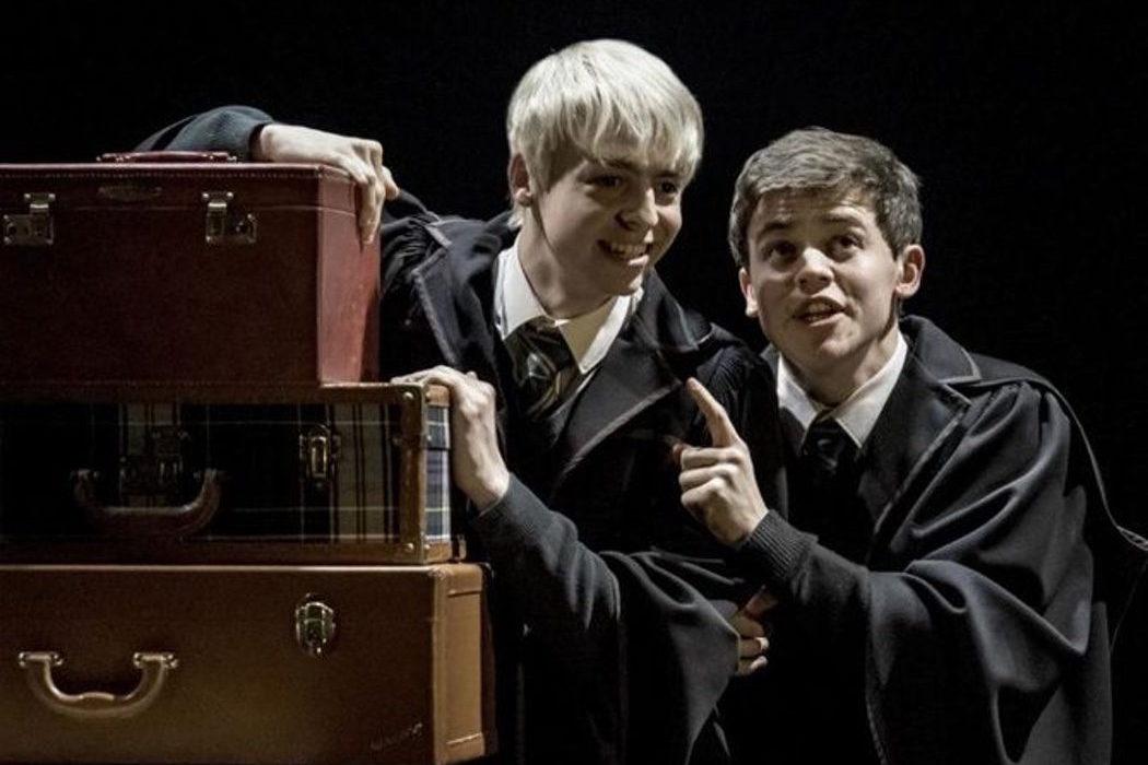 Fan Tráiler de \'Harry Potter y el legado maldito\' si se convirtiera ...
