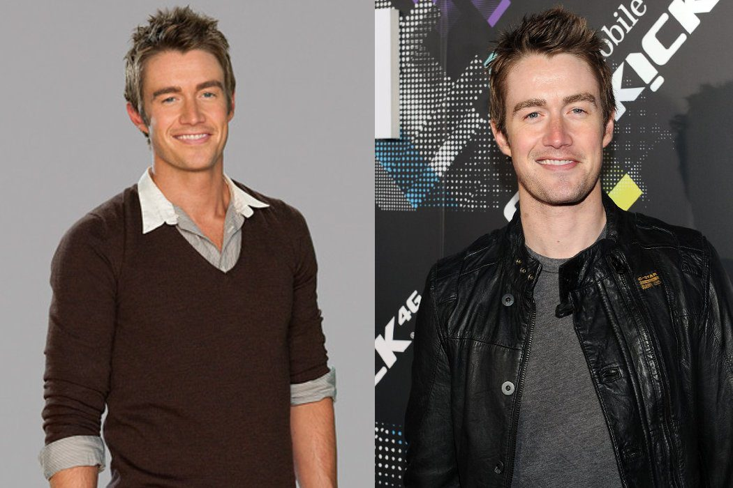 Robert Buckley (Clay Evans)